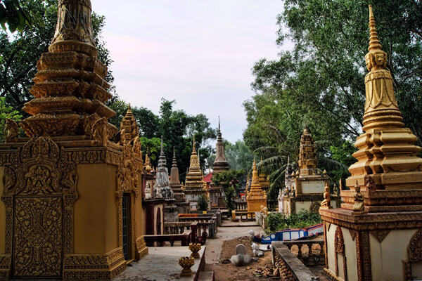 The Killing Field of Wat Thmei