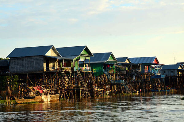 Kompong Phhluk floating village - 14 days in north and east cambodia