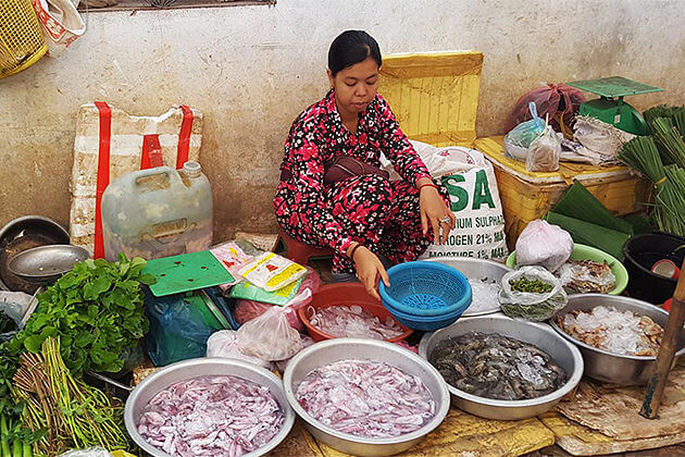 market in Siem Reap, Travel in Laos