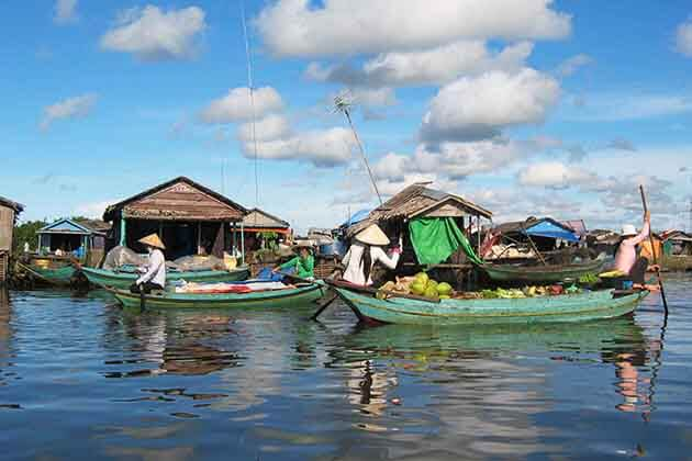Local life in the Tonle Sap Lake