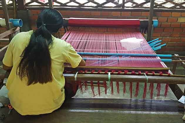 People making silk in the Angkor Silk Farm