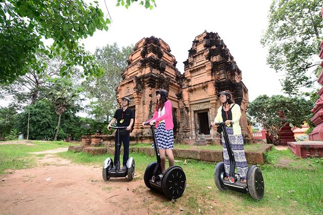 Enjoy Cambodia local life by Segway