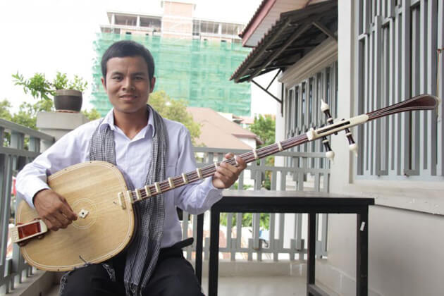 Cambodia musical instrument - Chapei Dang Veng