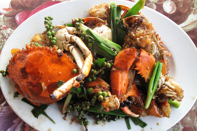 Cambodia food Kdam chaa - Fried crab