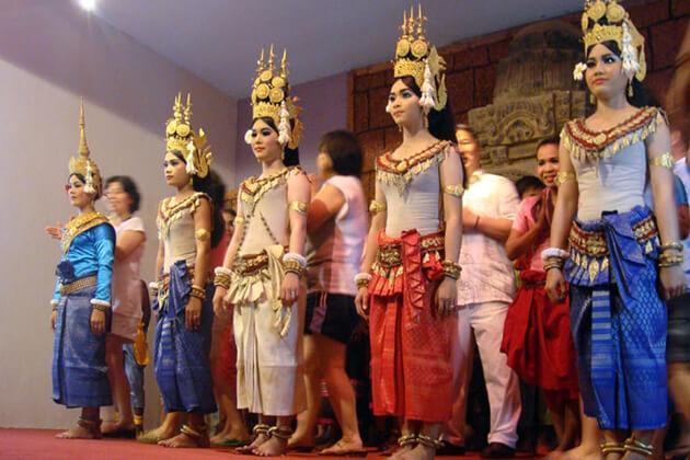 Characteristics of Cambodian Dress, Cambodia trips