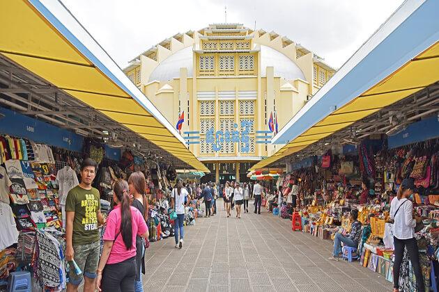 phnom penh city cambodia tours