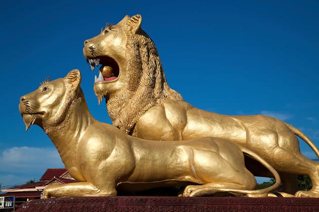 Golden-Lions-Roundabout-sihanoukville