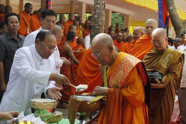 religion of cambodia buddhism