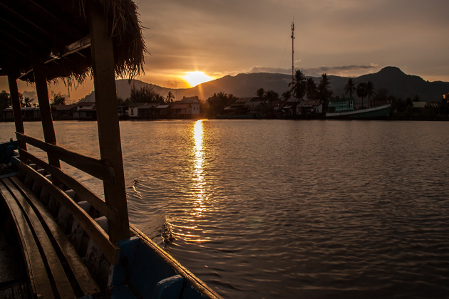 river cruise kampot province