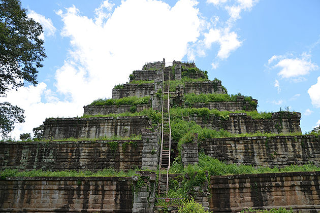 Koh Ker temple, Tour to Cambodia