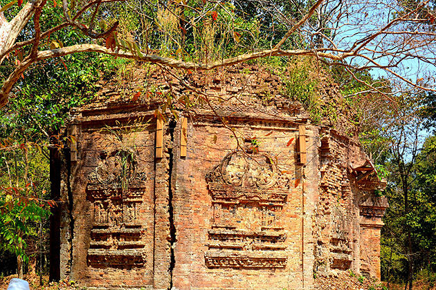 Trapaeng Prasat Temple cambodia cultural tour