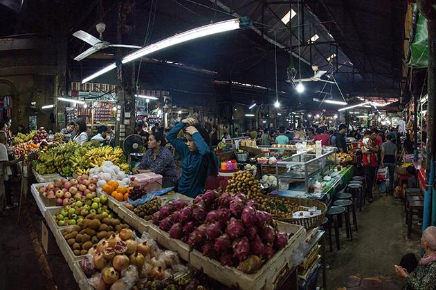 Phsar Chas market in Phnom Penh