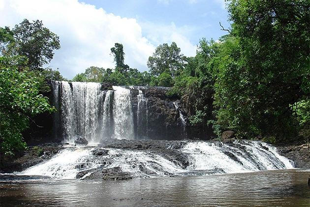 Sen Monorom Waterfall Local tour in Cambodia