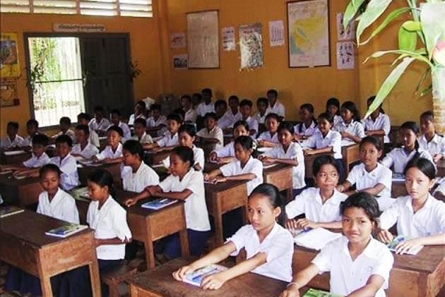 Children learn Cambodia Language, Laos trips