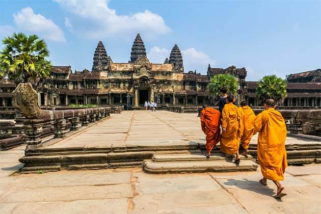 Angkor Thom, Tours in Cambodia