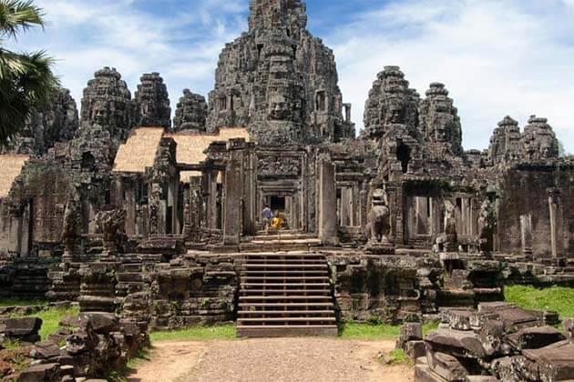 Phare - Cambodian Circus, Adventure tours in Cambodia