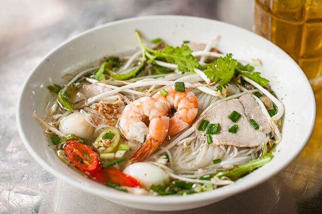 Nam Vang Noodle, Tour in Phnom Penh