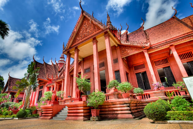 the national museum of Cambodia, Phnom Penh Tour Package