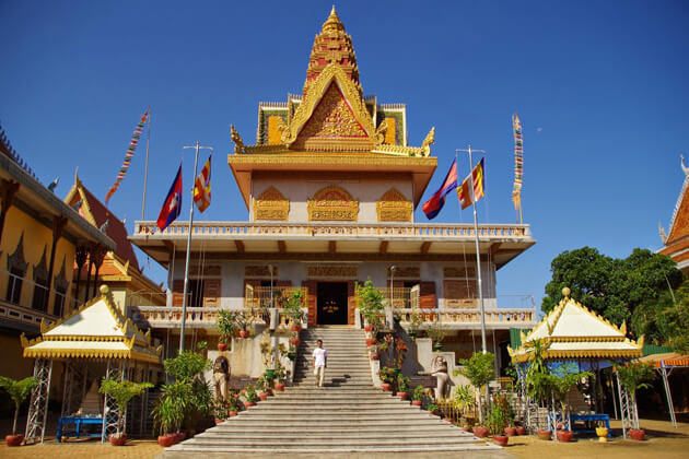 The Wat Ounalom temple, Phnom Penh Tours Packages
