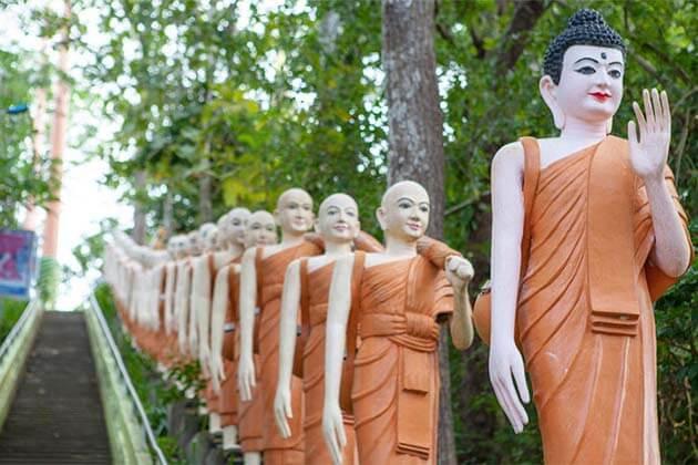 Wat Phnom Sambok, Travel to Cambodia