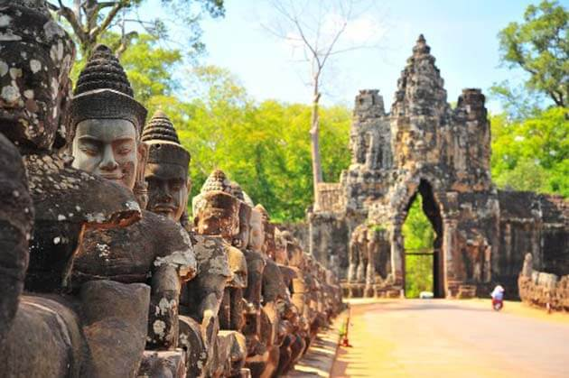South Gate of Angkor Thom, Cambodia travel tour