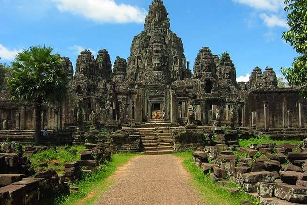 Amazing Cambodia Family Tours – 11 Days