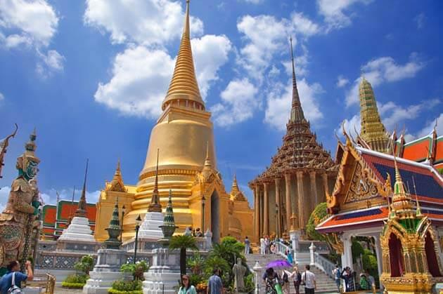 Wat Phra Kaew in Thailand, Cambodia Thailand tour