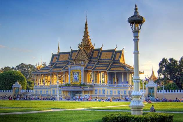 the Royal Palace, Cambodia tour packages